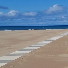 C'è una strada che porta al mare ma il mare è senza strade. Tutto quell'infinito ...dove inizia dove finisce il mare?  #rimini #vivorimini #ig_rimini_riccione #ig_rimini #volgorimini #volgoemiliaromagna #emiliaromagna_friends #emiliaromagna_super_pics #paesaggi_italiani #ig_fotoitaliane #vivoemiliaromagna #myrimini #loves_emiliaromagna ##lory_landscape #loryandalpha #prettyromagna #la_onlyphone #ig_explorer #italia_landscape #italiainunoscatto #foto_italiane #click_italy #click_vision…