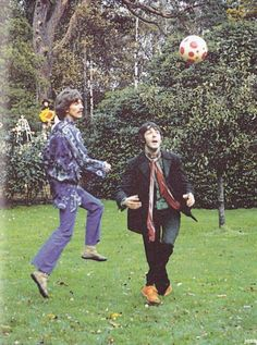 George Harrison and Paul McCartney In honor of the FIFA World Cup in Brasil, here are some cool dudes playing football!