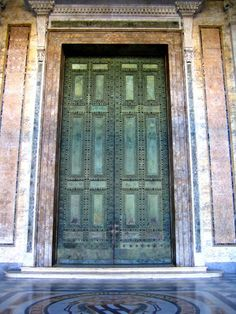 Bronze doors of the ancient Roman senate taken from the Roman forum and restored and placed in 1660 in the Lateran basilica.