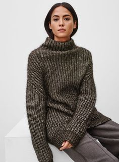 Wanted but in white. An oversized knit that will soon become the only thing you want to wear