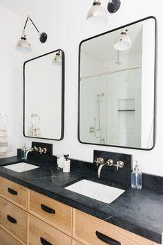 Modern Cabin bathroo
