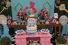 Resultado de imagem para festa rustica Alice no país das maravilhas