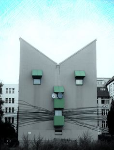 Cat House In Berlin. Yes, I would be interested in going to a Cat House Unusual Buildings, Amazing Buildings, Unusual Homes, Public Art, Oslo, Cat Art, Building A House, Building Ideas, Architecture Design