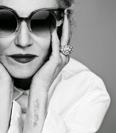 Stylistka,modelka, nowojorska ikona stylu....   Linda Rodin starzenie  cały wywiad.... http://intothegloss.com/2014/11/linda-r...