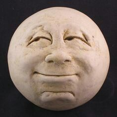 Etsy Transaction – Man-in-the-Moon Garden Head, Antique White/eggshell Transazione Etsy – Man-in-the-Moon Garden Head, bianco antico / guscio d'uovo Pottery Sculpture, Sculpture Clay, Sculptures, Vintage Moon, Moon Face, Paperclay, Rock Crafts, Stone Art, Stars And Moon