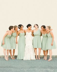 Bridesmaids in #Mint | Lindsay Madden Photography