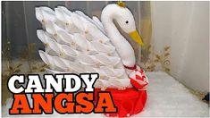 55) Cara membuat tempat permen dari kain flanel    candy angsa - YouTube Felt Crafts, Crafts To Make, Diy Crafts, Projects For Kids, Craft Projects, Peacock Crochet, Peacock Crafts, Wall Hanging Crafts, Candy Bouquet