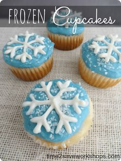 These Frozen cupcakes are so cute and versatile. In fact, they are perfect for… Frozen Birthday Cupcakes, Olaf Cupcakes, Winter Cupcakes, Frozen Themed Birthday Party, Frozen Cake, Themed Cupcakes, Christmas Cupcakes, Cupcake Cakes, Shoe Cakes