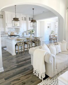 Kitchen and Living Room Updates: New Pendants, Bar Stools, Kitchen Chairs, Coffee Table - My Texas House Home Living Room, Living Room Designs, Living Room Decor, Best Interior, Interior Design, Deco Addict, White Rooms, Deco Design, Living Room Inspiration