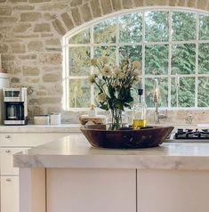 Farmhouse Style Kitchen, Farmhouse Interior, Rustic Kitchen, Kitchen Stone Wall, English Country Kitchens, European Kitchens, French Country, Country Fireplace, Fireplace Wall