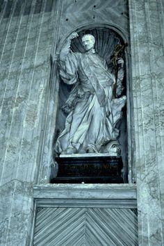 Saint Vincent de Paul in Saint Peter's Basilica - Johnson-Miles photo St Peters Basilica, Saint Vincent, Saints, Statue, Photos, Belle, Art, Pictures, Sculptures