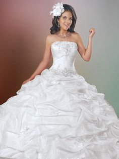 Light Quince Dresses - White Princess Dress With Full Tiered Skirt