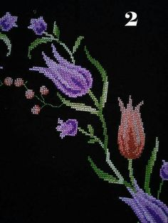 This Pin was discovered by Mel Cross Stitch Rose, Cross Stitch Flowers, Cross Stitch Embroidery, Hand Embroidery, Diy And Crafts, Beads, Handmade, Towels, Cross Stitch