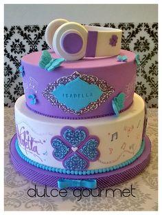 Violetta Cake with headphones