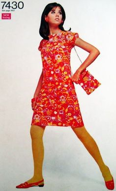 I had several of these dresses, all with matching mini-bags.