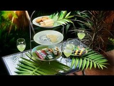 DIY Party Idea: How to Make A Paper Palm Leaf