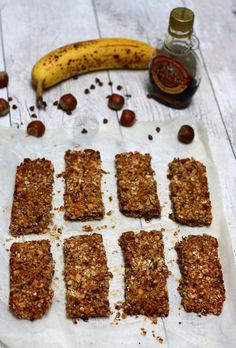 Homemade cereal bars: oats, banana, hazelnuts and chocolate - Amandine Cooking - Homemade cereal bars: oats, banana, hazelnuts and chocolate - Healthy Cereal, Healthy Muffins, Gourmet Recipes, Sweet Recipes, Vegan Thermomix, Waffel Vegan, Cereal Bars, Orange Recipes, Muesli