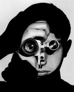 Dennis Stock, portrait with his Leica III, 1951, by ©  Andreas Feininger .