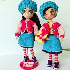 How to knit a amigurumi doll called livia step by step Crochet Doll Pattern, Crochet Dolls, Crochet Patterns, Crochet Hats, Mario Crochet, Polymer Clay Dolls, Tunisian Crochet, Doll Maker, Amigurumi Toys