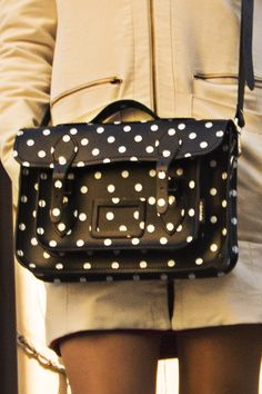 Women's Day in Venice white dots black bag Zara Fashion, Womens Fashion, Martens Style, Hunter Outfit, Cycling Shorts, Zara Shoes, Ladies Day, Fashion Rings, My Outfit
