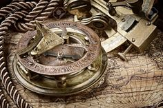 18232871-vintage-still-life-with-compass-sextant-and-old-map-Stock-Photo.jpg (1300×866)