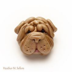 Shar Pei puppy bead by Heather Sellers. #heathersellers #sharpie #dog #glass