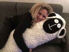 Body Pillow pattern by CroJennifer : This Cuddle Buddy Body Pillow keeps you warm and cozy! Free Crochet, Knit Crochet, Crochet Bodies, Cuddle Buddy, Crochet Cushions, Warm And Cozy, Cuddling, Crochet Patterns, Pillows