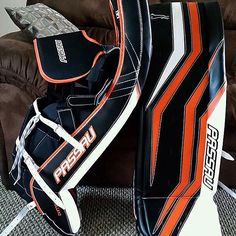 Custom Passau pads. Goalie Pads, Goalie Gear, Hockey Goalie, Golf Bags, Pillows, Sports, Ideas, Passau, Hs Sports