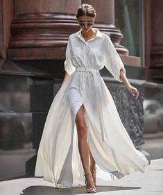 Little White Dresses to Shop Now Weißes Kleid / Streetstyle Mode / Fashion Week Week Fashion Week, Look Fashion, Fashion Beauty, White Fashion, Fashion Spring, Cheap Fashion, Street Style Fashion, Fashion Trends, European Fashion