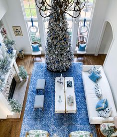 Christmas Colors, Shag Rug, Table Decorations, Furniture, Home Decor, Shaggy Rug, Decoration Home, Room Decor, Home Furnishings