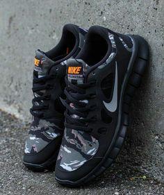 NICE!!!! Nike Free 5.0 GS Camo