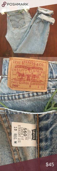 Vintage Levi's 560 fit Worn in light wash levis 560 fit, waist 30, Rise 12 Inseam 32 Levi's Jeans