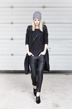 feminine androgynous fashion / simplicity / sophisticated comfort