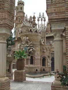 Descubre las mejores fotos del Castillo de Colomares en Benalmádena gracias a las fotografías de otros viajeros de minube