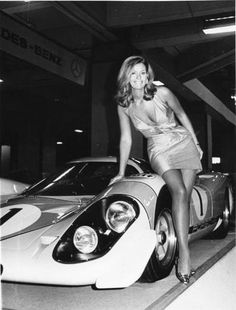 Porsche 917 Booth Babe … the coolest wheels ever! Porsche 917 Booth Babe … the coolest wheels ever! Porsche Classic, Classic Cars, Porsche Girl, Porsche Models, Porsche Autos, Porsche 356, Sexy Cars, Hot Cars, Sports Car Racing