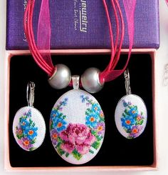 Details This beautiful of pink rose flowers Necklace and Earrings, with a hand cross stitch embroidered. A perfect accessory or gift for the delicate and dainty loving lady! Romantic Necklace and Earrings. It is a great accessory for an everyday wear. This Necklace and Earrings is a