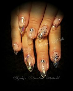 Acrylic nails pecera