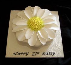 Daisy Cake - SOMEBODY please make this for my birthday!