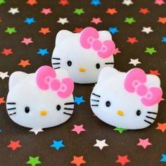 Hello Kitty Rings Camo Wedding Cakes, White Wedding Cakes, Hello Kitty Cake, Hello Kitty Birthday, Shoe Cakes, Purse Cakes, Hello Kitty Jewelry, Dragon Cakes, Cake Wrecks