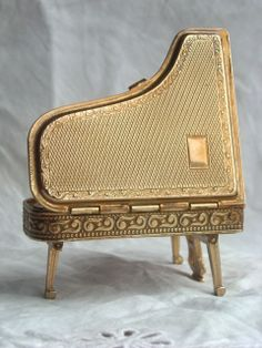Vintage Whimsical Pygmalion Sonata Grand Piano Powder Compact circa 1950...