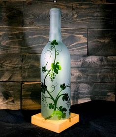 Recycled Wine Bottle Hurricane Candle Shade Etched Glass with Grapevine Decor Grapes Repurposed Art Candle Holder - Crafts Ideas Wine Bottle Trees, Old Wine Bottles, Cutting Wine Bottles, Wine Bottle Candles, Recycled Wine Bottles, Wine Bottle Art, Painted Wine Bottles, Lighted Wine Bottles, Decorated Bottles