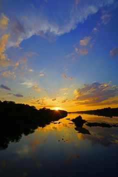 ~~Crazy Sky at Sunset by Kevin Reynolds - Sunrise Addict~~