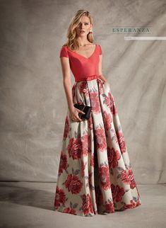 Abiti da festa Manu García 2020 - Moda a Pasarela Mob Dresses, Petite Dresses, Indian Dresses, Casual Dresses, Fashion Dresses, Formal Dresses, The Dress, Dress Skirt, Long Skirt Outfits
