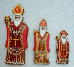 Today we are looking at Moravian and Bohemian gingerbread designs from the Czech Republic. Back home, gingerbread is eaten year round and beautifully decorated cookies are given on all occasions. Christmas Images, Christmas Carol, Christmas Colors, All Things Christmas, Christmas Holidays, Christmas Ornament Crafts, Christmas Cookies, Ornaments, St Nicholas Day