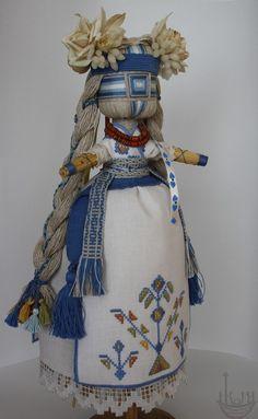 """Кукла-мотанка """"Веснянка"""" сделана своими руками. У нас можно купить украинскую традиционную Куклу-мотанку."""