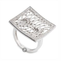 Εντυπωσιακό δαχτυλίδι λευκόχρυσο Κ18 σε τετράγωνο διχτυωτό σχήμα με διαμάντια brilliant και δύο τετράγωνα (καρέ) διαμάντια στην ένωσή του με τη βέρα   ΤΣΑΛΔΑΡΗΣ #τετράγωνο #δαχτυλίδι #διαμάντια #Χαλάνδρι Diamond Rings, Engagement Rings, Jewelry, Enagement Rings, Wedding Rings, Jewlery, Jewerly, Schmuck, Jewels