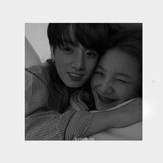Kpop Couples, Cute Couples, Bts Taehyung, Bts Jimin, Fake Family, Ikon Kpop, Jungkook Fanart, Blackpink And Bts, Kim Yerim