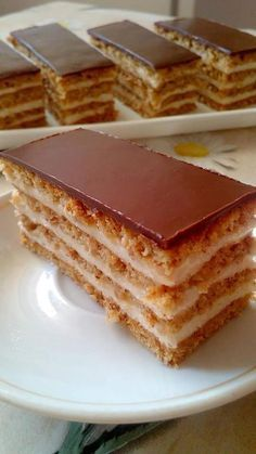 Hungarian Desserts, Hungarian Cake, Hungarian Recipes, Cookie Desserts, Dessert Recipes, Poppy Cake, Sweet And Salty, Winter Food, Sweet Tooth