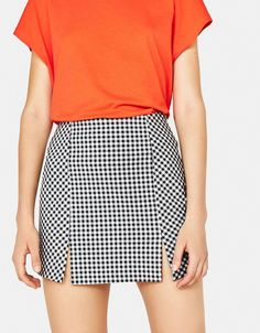 Buffalo check skirt with slits - null - Bershka United States Long Skirt Outfits For Summer, Skirt Outfits Modest, Cute Outfits, Cute Fashion, Look Fashion, Skirt Fashion, Fashion Dresses, Cute Skirts, Plaid Skirts