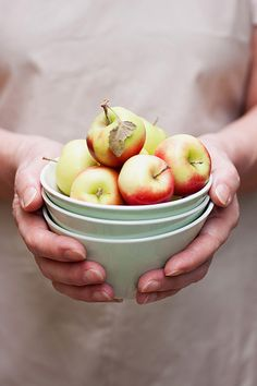 EAT HEALTHY Apples